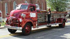 us Mount Pleasant VFD COE city service ladder truck Fire Dept, Fire Department, Big Trucks, Chevy Trucks, Medium Duty Trucks, Police Truck, Chariots Of Fire, Cool Fire, Fire Equipment