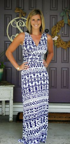 I love, love, love this maxi. The color and style are perfect. I need this maxi. Stitch Fix Review // Fix