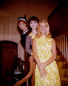 The Women of ABC, 1966:  Judy Carne (Love on a Rooftop), Marlo Thomas (That Girl) & Elizabeth Montgomery (Bewitched)