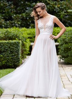 Wedding Dresses - $177.42 - A-Line/Princess Scoop Neck Sweep Train Tulle Wedding Dress With Appliques Lace (0025096353)
