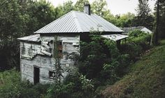 One of the abandoned houses along Crystal Creek, Beattyville.