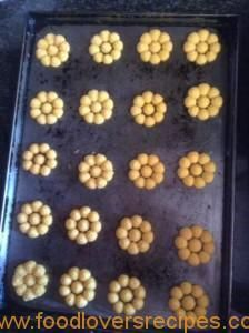 ELSABIE SE KOEKIEDRUKKER DEEG Biscuit Cookies, Cupcake Cookies, Cupcakes, Baking Recipes, Cookie Recipes, Drink Recipes, Best Biscuit Recipe, Speculoos Cookies, Kos