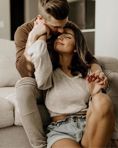 love story Dirty Boots and Messy Hair (dirtybootsa - love Cute Couples Photos, Cute Couple Pictures, Cute Couples Goals, Couples In Love, Couple Goals, Happy Couples, Couple Photoshoot Poses, Couple Photography Poses, Couple Posing