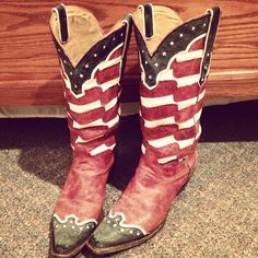 american flag boots.<3