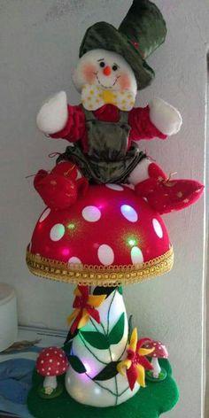 Soft Sculpture, Light Up, Snowman, Quilts, Christmas Ornaments, Holiday Decor, Floral, Christmas Art, Christmas Decor