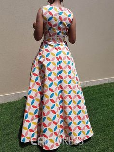 Excellent maxi dresses are offered on our internet site. Take a look and you wont be sorry you did. African Dresses For Women, African Attire, African Wear, African Fashion Dresses, Fashion Outfits, African Style, Style Floral, Beautiful Dress Designs, African Traditional Dresses