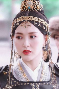Tiffany Tang, Hair Reference, China, Prince And Princess, Period Dramas, Hair Piece, Scarlet Heart, Hairstyle, Costumes