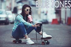 "Képtalálat a következőre: ""street fashion selfie"" Photoshop Youtube, Female Poses, Blue Tones, Strike A Pose, Young Women, Baby Strollers, Photo Editing, Street Style, Selfie"