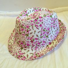 "Ladies purple flowered fedora Cute fedora I picked up in Germany (although ""made in china"") Inside measures 22"" Accessories Hats"