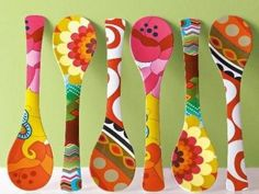 Here the 9 best wooden spoon craft ideas for Christmas and for other occasions. Decorate your garden table with this wooden spoon crafts, try your ideas. Art For Kids, Crafts For Kids, Arts And Crafts, Diy Crafts, Wooden Spoon Crafts, Wooden Spoons, Wooden Spatula, Painted Spoons, Hand Painted