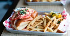 Get the complete list of lobster roll contenders, which includes Luke's Lobster, Bite into Maine and Thames Street Oyster House, for Tasting Table's 2018 Lobster Rumble.