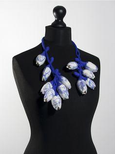 "Charlotte Molenaar 750 $ Tulip mania #4 delft blue (necklace), 2015 felted wool, total length 31"""