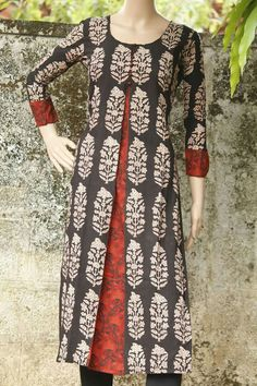 Best 11 Print with the bits of red Salwar Pattern, Kurta Patterns, Dress Patterns, Churidar Designs, Kurta Designs Women, Dress Neck Designs, Blouse Designs, Kurtha Designs, Kurta Neck Design