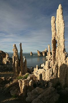 Tufa Towers at Mono Lake, California, USA (Eastern side of California) Places To Travel, Places To See, Places Around The World, Around The Worlds, Beautiful World, Beautiful Places, California Dreamin', Beautiful Landscapes, Travel Usa