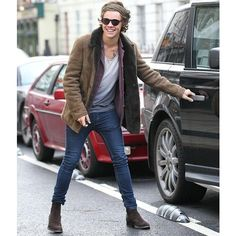 Suede Chelsea Boots Inspired by Harry Styles ❤ liked on Polyvore featuring one direction, harry styles, harry, 1d y pics