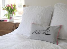 This one of my most recent products.  By using my run rabbit image and giving it a modern twist of pink.  It is hand printed on grey medium weight linen union that is very soft to touch.  A perfect addition to bring a bit of country into your modern style or to style up a teenagers bedroom.