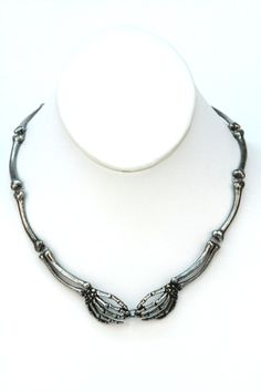 Domino Dollhouse - Plus Size Clothing: Death Grip Necklace