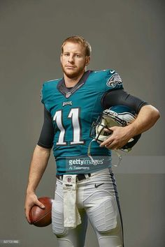 Philadelphia Eagles QB Carson Wentz was a Bison, always a Bison! Philadelphia Eagles Football, Philadelphia Sports, Pittsburgh Steelers, Dallas Cowboys, Eagles Win, Fly Eagles Fly, Eagles Super Bowl, Eagles Jersey, Carson Wentz