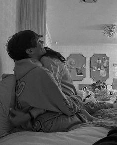 Cute Couples Photos, Cute Couple Pictures, Cute Couples Goals, Couple Photos, Freaky Pictures, Romantic Couples, Couple Goals Relationships, Relationship Goals Pictures, Tumblr Relationship