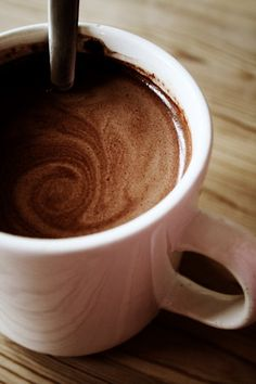 Reese's Peanut Butter Cup Hot Chocolate - Daddy NewbieDaddy Newbie
