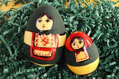 Russian Nesting Doll Eggs | 19 DIY Easter Eggs That Don't Require Actual Eggs