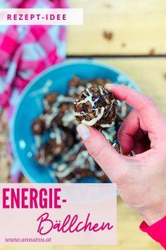 Heute hab ich eines der leckersten Energy Balls Rezepte für dich. Diese Energiekugeln gehen super einfach und schmecken extrem lecker. Ich hab Energyballs gerne als Snack für Zwischendurch dabei. #Energyballsrezepte #Energyballs #Energiekugeln #Energiekugelnrezepte Oatmeal, Paleo, Breakfast, Food, Metabolic Diet, Healthy Meals, Healthy Life, Super Simple, Recipes Dinner