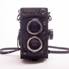 the yashica-mat 124 g is a simple and accessible introduction into the world of medium format photography. its legendary design and small size make it easy to use while still giving sharp, high-quality images.