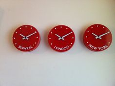 World_time_clock_228mm_red_with_dots_set_of_3__19943.1405420461.1280.1280.JPG 1280×956 pixels