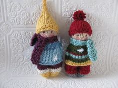 Winter Time Friends Pocket Doll Knitting pattern by Jackie Ehman Knitted Doll Patterns, Knitted Dolls, Knitting Patterns, Peter Pan, Knitted Animals, Paintbox Yarn, Yarn Brands, Christmas Knitting, Stuffed Toys Patterns