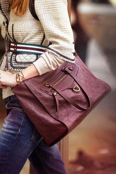 Burgundy is BIG for fall! $129.9 Love Louis Vuitton bags they are here: .www.lvbags-pick.com This bag is slouchy and looks very nice!