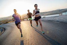 Deporte Running - CAMISETA MANGA CORTA LIGERA DE RUNNING KALENJI NEGRO  AMARILLO KIPRUN HOMBRE c73b6cc5d75f