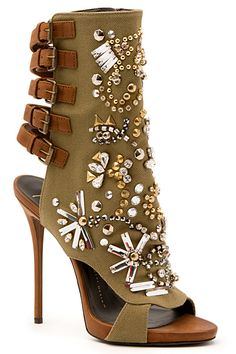 Head over Heels - Giuseppe Zanotti - Shoes - 2015 Spring-Summer Zapatos Shoes, Shoes Heels, Bootie Boots, Shoe Boots, Giuseppe Zanotti Shoes, Zanotti Heels, Shoes 2015, Business Outfit, Dream Shoes