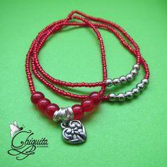 """""""Frida"""" Tres pulseras color rojo, elaboradas con chaquiras y dije de corazón, (sold)"""