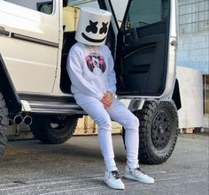 Alan Walker, Marshmello Wallpapers, Itslopez, Best Dj, Dj Music, Disney Drawings, Marshmallow, Edm, Celebrities