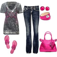 love the shirt jeans and belt....I dont carry purses or wear jewelry and I HATE flip flops, but still a cool outfit