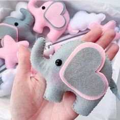 Sewing Toys, Baby Sewing, Felt Crafts, Diy And Crafts, Felt Ornaments Patterns, Elephant Shower, Baby Shawer, Unique Toys, Baby Bedding Sets