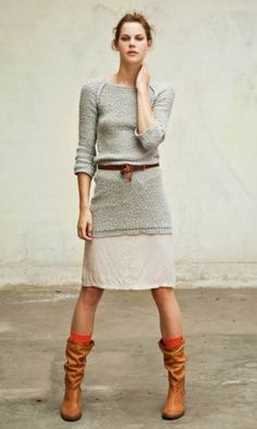 long sweater, linen skirt & slouchy boots