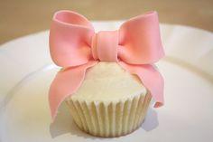 Cupcake + bow