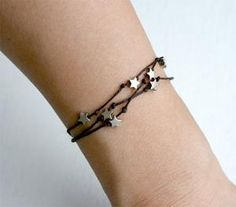 This would be so simple to make.  Knots and stars. no link here, just the pic.