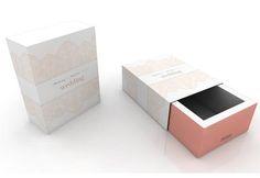Nova coleção Melissa WEDDING   Vida aos 30 Container, Packaging, Wedding, 30, Bride Shoes Flats, Ants, Faces, Life, Valentines Day Weddings