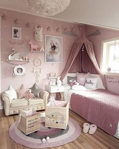 Here are inspirations for baby girl room ideas, create the perfect one for your little princess room. Baby Bedroom, Baby Room Decor, Nursery Room, Girl Nursery, Baby Girl Bedroom Ideas, Bedroom Kids, Girls Princess Bedroom, Bedroom Themes, Bedroom Inspo