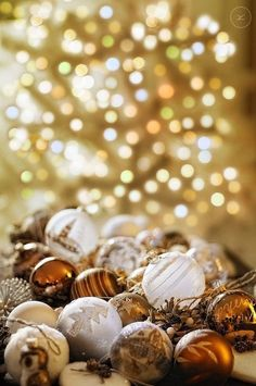 Christmas Bokeh in gold bronze and white