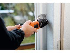Be it windows blind cleaning or repairing or any other relevant service, it is vital that you should take the help of an expert professional as quickly as possible. Best Replacement Windows, Glass Replacement, Home Window Repair, Blind Repair, Home Repair Services, Residential Windows, Cleaning Blinds, Blinds For Windows, Window Blinds