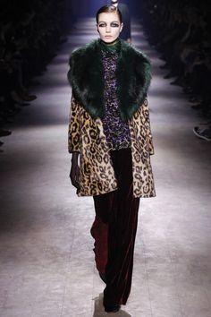 Dries Van Noten Fall 2016 Ready-to-Wear Fashion Show