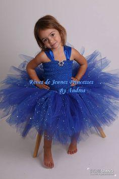 petite fille robe bleu loup