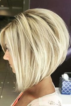 chic short hair styles are easy to do. Find out the best chic short hair styles you can try this winter that are going to be a hair trend of Modern Bob Hairstyles, Inverted Bob Hairstyles, Stacked Bob Haircuts, Hairstyles Haircuts, Medium Bob Haircuts, Latest Hairstyles, Bobbed Haircuts, Blonde Bob Hairstyles, Pixie Haircuts