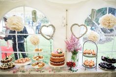 Our top tips if your thinking of making your own DIY wedding cake (or cakes.)