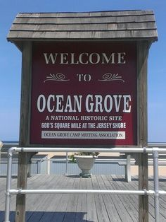 Wesley Lake, Ocean Grove, New Jersey with Palace ...