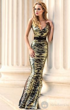 Fustana per mbremje te matures Gala Dresses, Dress Outfits, Dress Up, Expensive Dresses, High Fashion Dresses, Latex Dress, Gowns Of Elegance, Designer Gowns, Beautiful Gowns