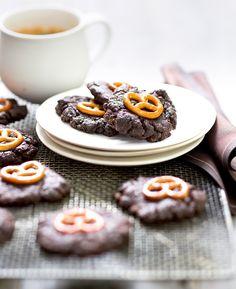 Double chocolate pretzel cookies | #inthemixcookbook | Thermomix